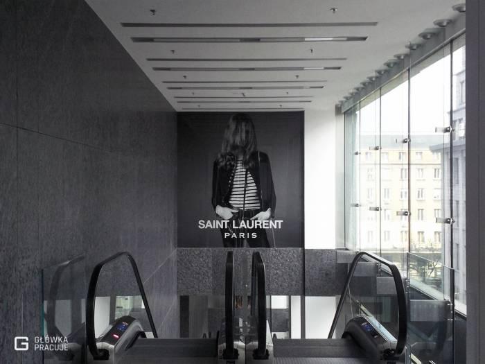 Główka pracuje pl Vitkac Saint Laurent wyklejanie folią z tzw. zadrukiem od strony kleju