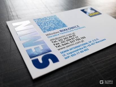 Główka Pracuje wizytówka z laminatem Soft Touch i lakierem wybiórczym UV dla Semin - Warszawa