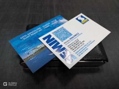 Główka Pracuje matowe wizytówki laminowane matową folią Soft Touch z dodatkowym lakierem wybiórczym UV błyszczącym Warszawa