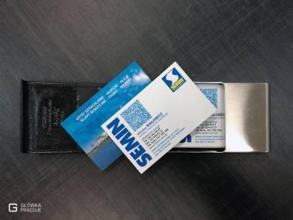 Główka Pracuje matowe wizytówki uszlachetniane matową folią Soft Touch oraz lakierem punktowym UV błyszczącym Warszawa