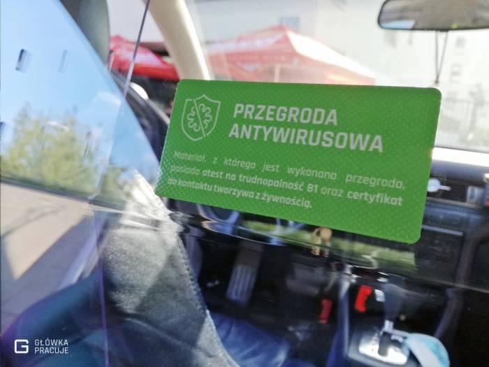 Główka Pracuje - oznaczenie - uniwersalna sztywna przezierna osłona przegroda przeciwwirusowa covid19 do samochodu taxi pet 2mm audi - Warszawa