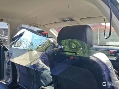 Główka Pracuje - uniwersalna sztywna transparentna osłona przegroda antywirusowa covid19 do samochodu taxi pet 2mm audi - Warszawa